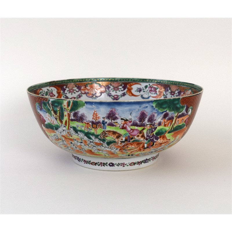 CHINESE EXPORT FAMILLE-ROSE PUNCH BOWL, Qing Dynasty, circa 1785