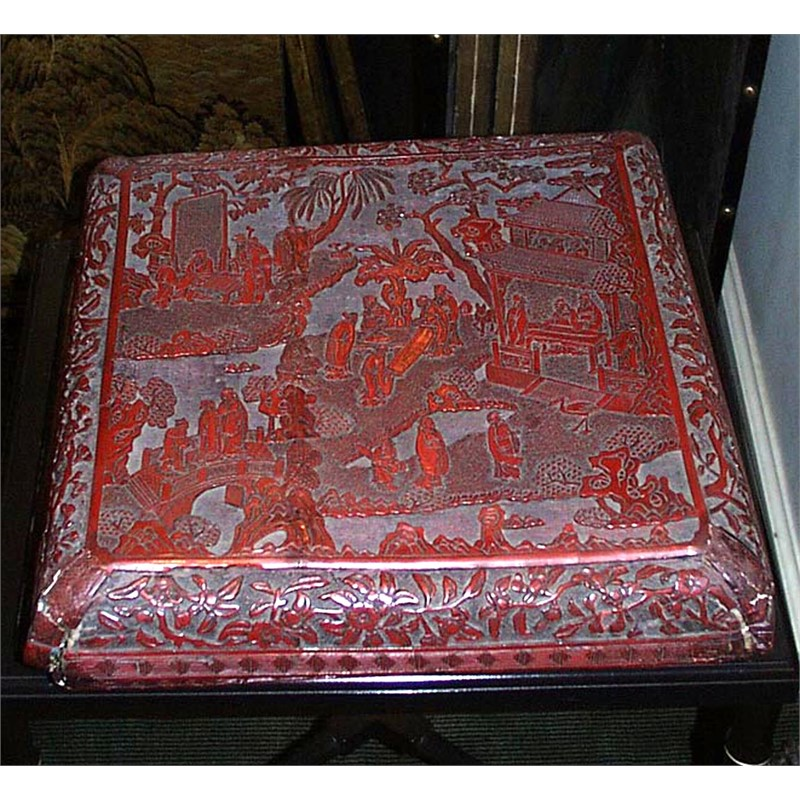 LARGE CINNABAR LACQUER BOX AND COVER