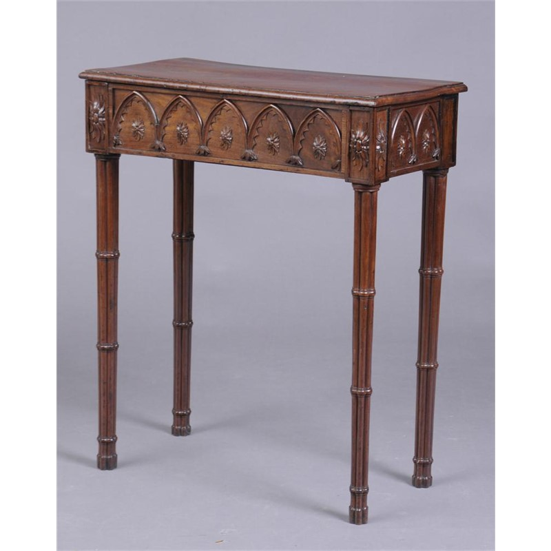 GEORGE III CARVED MAHOGANY PIER TABLE IN THE GOTHIC TASTE, English, 18th century