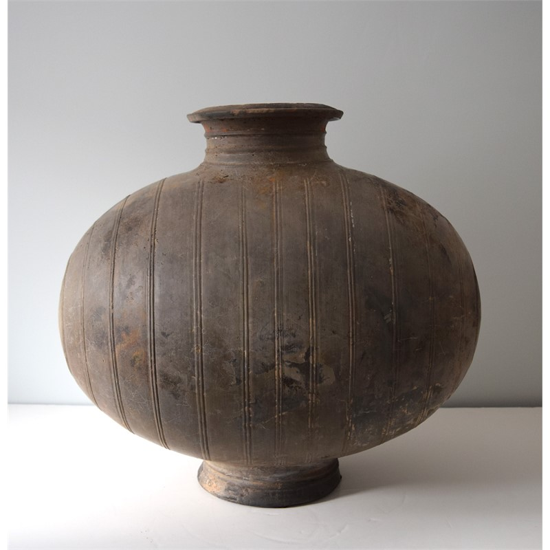 BLACK POTTERY COCOON VASE, Han Dynasty (206 BC-AD 220)