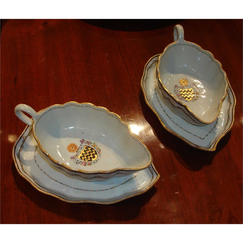 PAIR OF ARMORIAL GRAVY BOATS ON STANDS WITH ARMS OF BLUNT, Chinese, 19th century